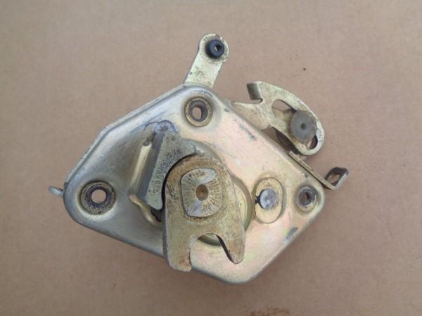 Ford Taunus 17M P5 Schloss Verriegelung Tür Türverriegelung rechts 11402984