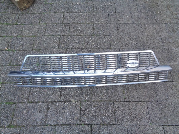Fiat 1800 2100 2300 Limousine Kühlergrill Grill Frontgrill original