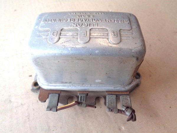 Vauxhall Victor F FB PC Lichtmaschinenregler voltage regulator 12V Bj.1957-66