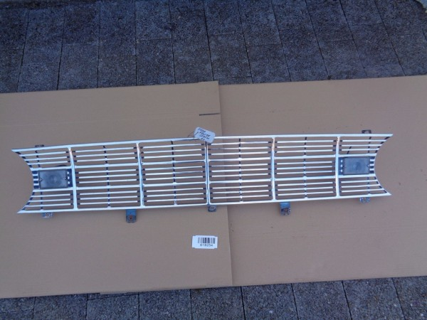 Ford Falcon SW Station Wagon Kühlergrill Grill Grille Frontgrill Chrom original
